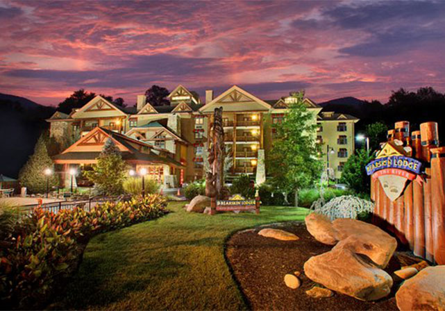 Bearskin Lodge The Is Another Traditional Favorite Downtown Gatlinburg Hotel